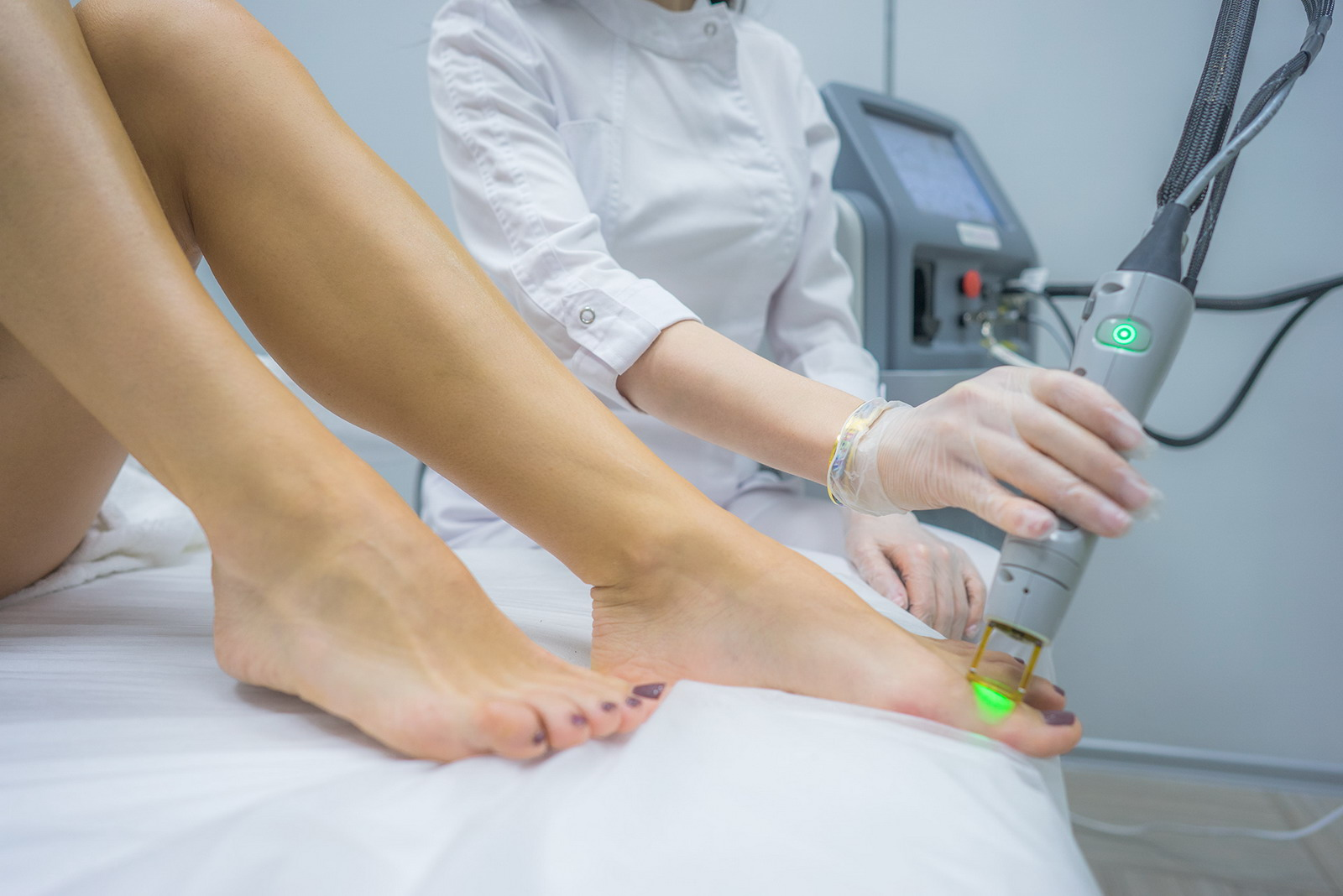 Pros and cons of laser hair removal