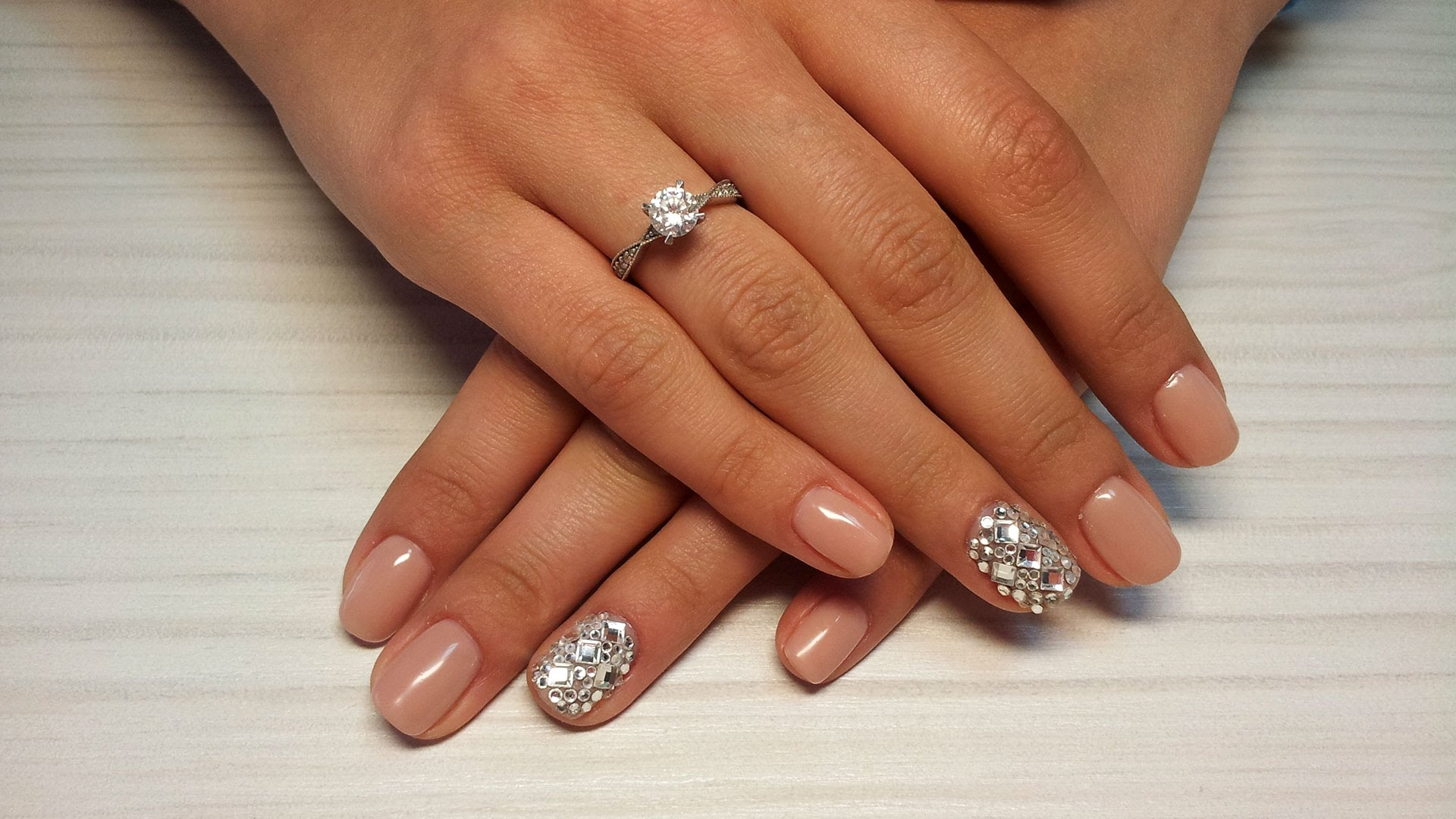 How to glue rhinestone on gel polish?