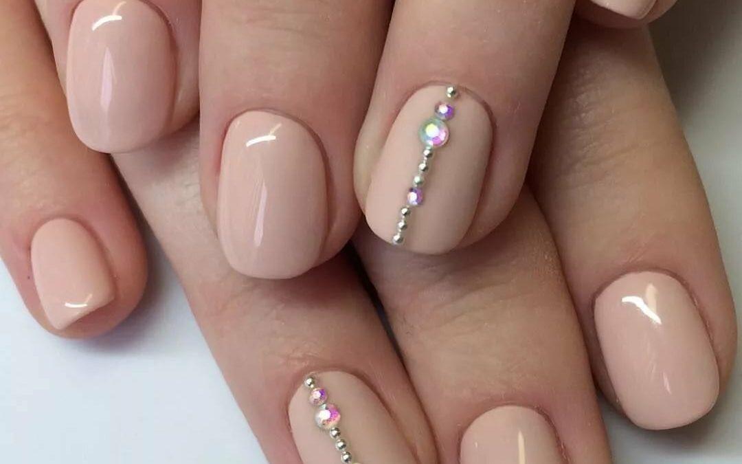 nail extension on short nails