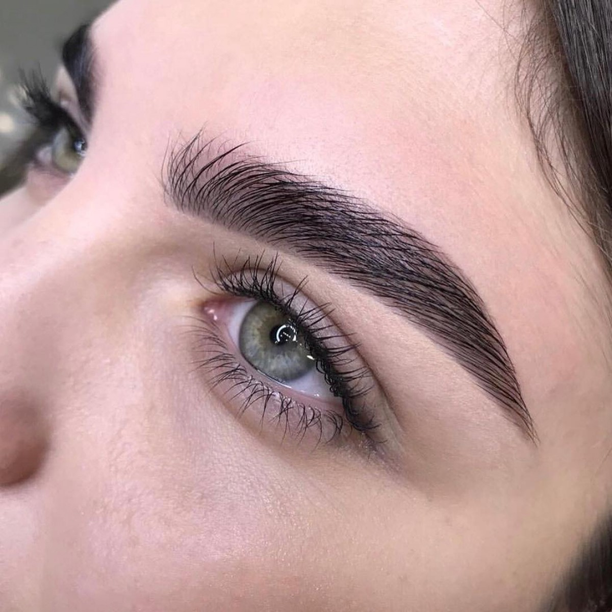 Long-term brow styling - pros and cons