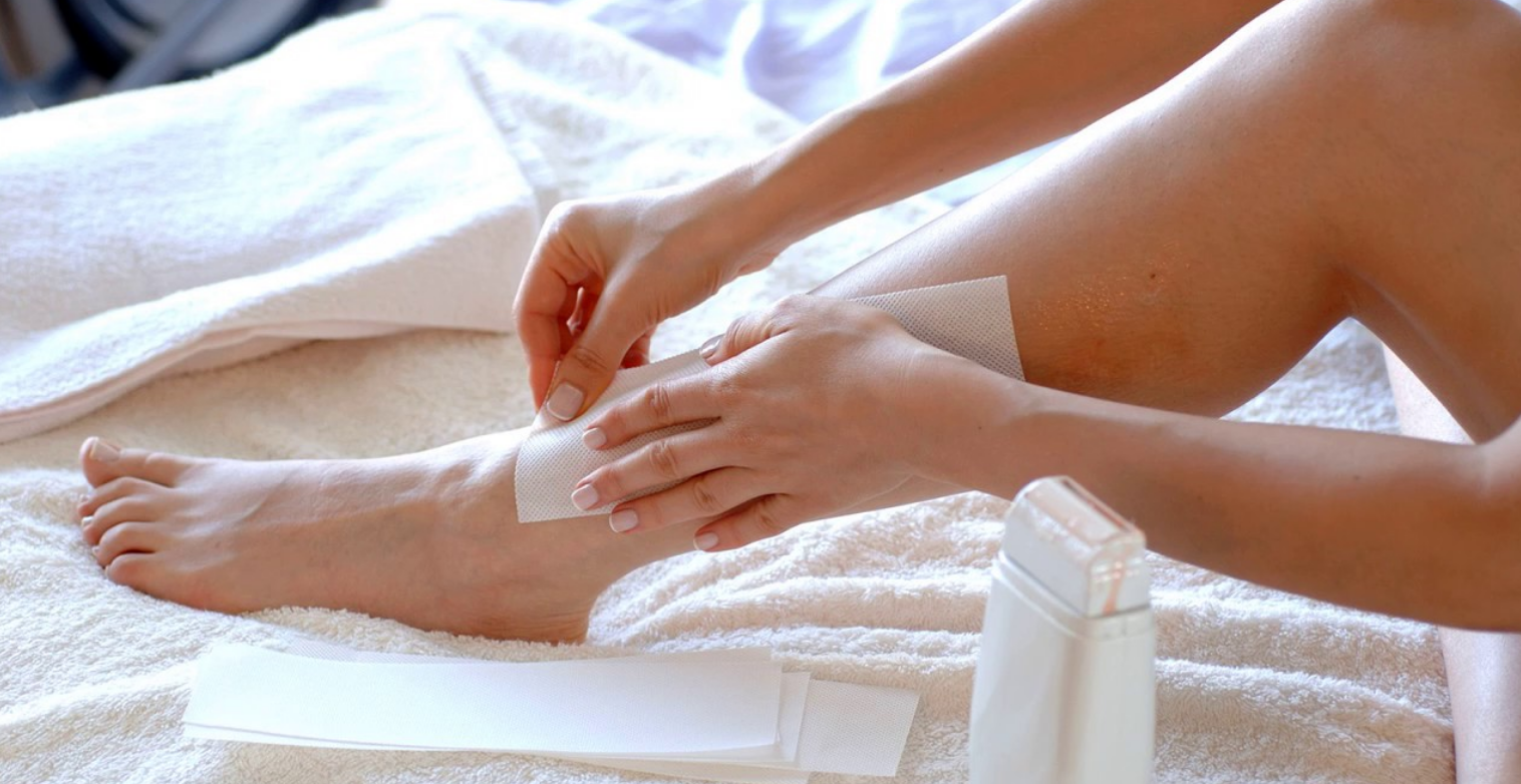 How to easily and painlessly remove wax from the skin after waxing?