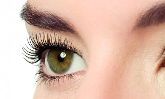How to curl your eyelashes at home without a curler?