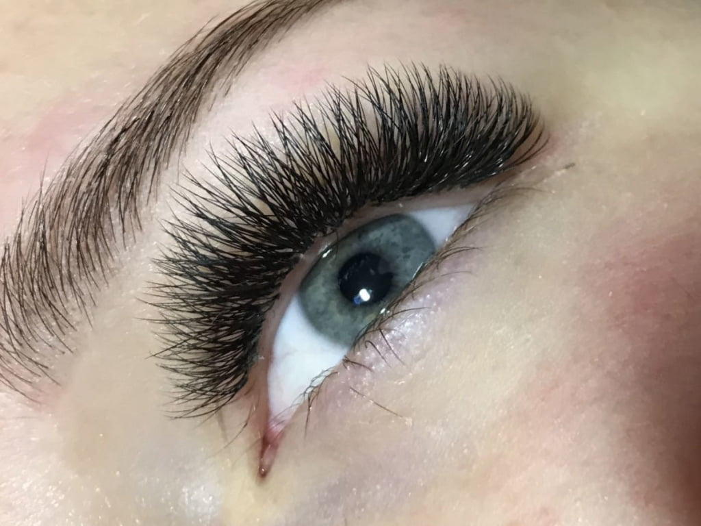 How to remove eyelash extensions at home?