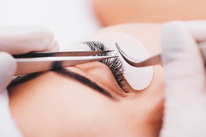 Lamination of eyelashes while breastfeeding