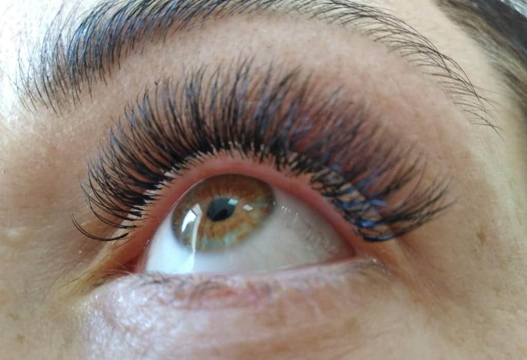 What kind of materials are needed for eyelash lamination?