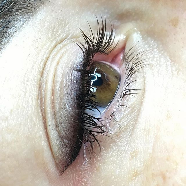Upper eyelid permanent make up with shading